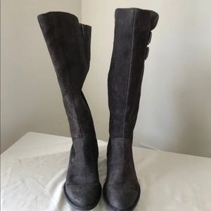 Born boots size 8 brown Greyish boot